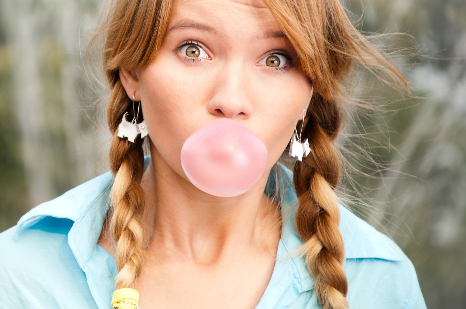 Spit it out study says chewing gum leads to chronic headaches