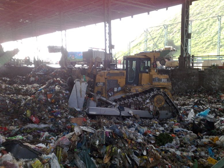Trash facility in Hiriya