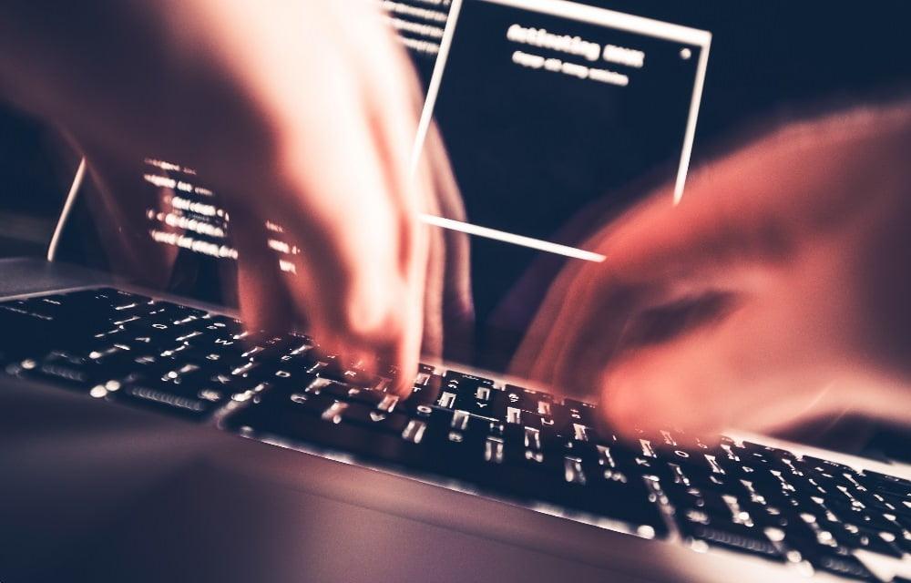 Hacker via  Geralt/Pixabay