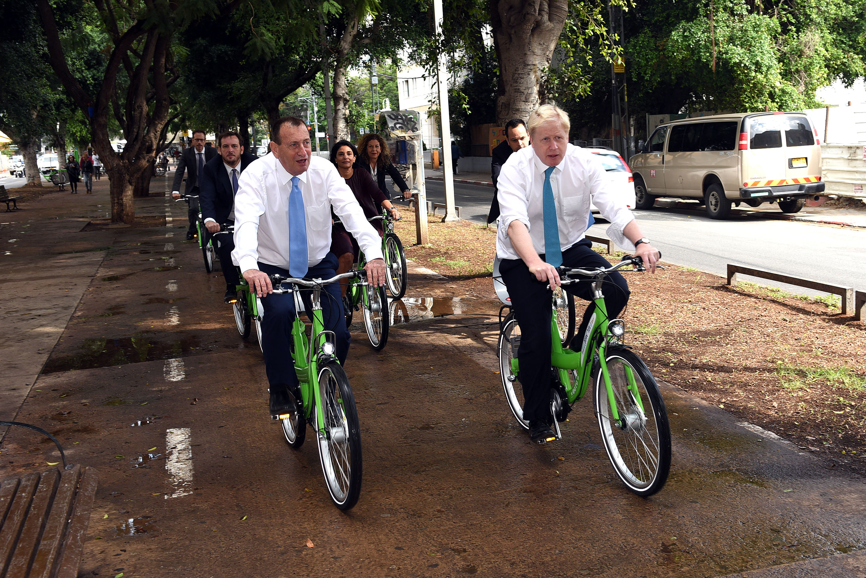 boris johnson tel aviv