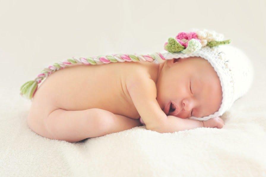 Baby Girl Sleeping via Pixabay