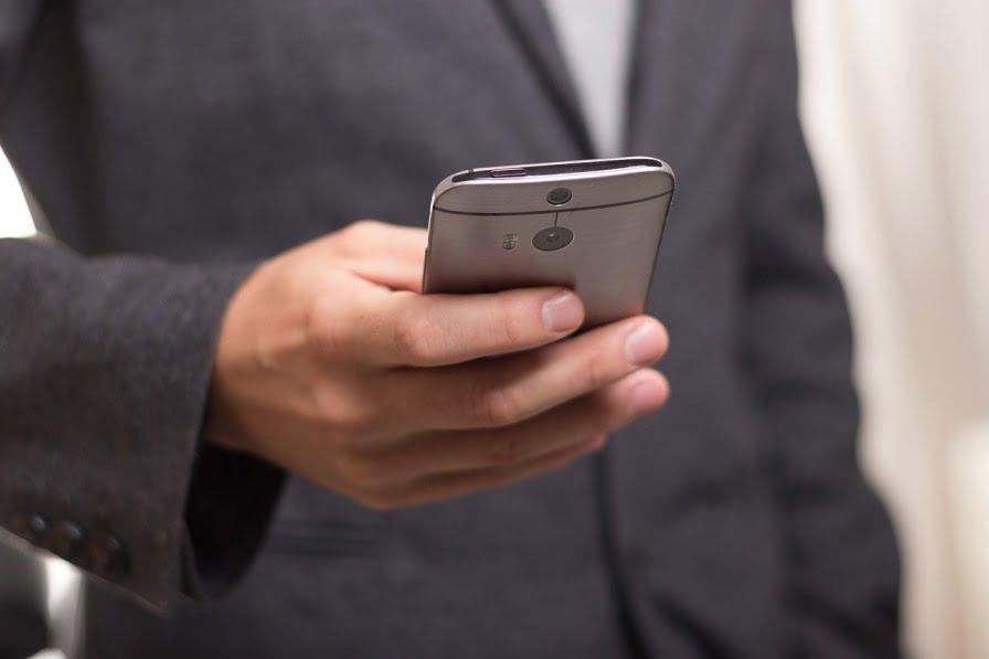 Man with Smartphone via Tim Parkinson/Flcikr