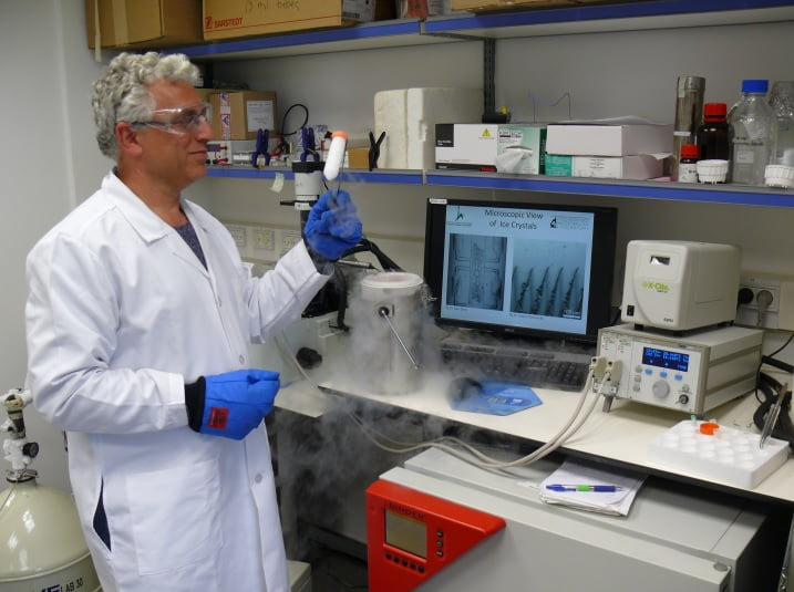 Prof. Ido Braslavsky at his lab, where his team investigates ice-binding proteins and new methods in cryopreservation of cells.  Courtesy