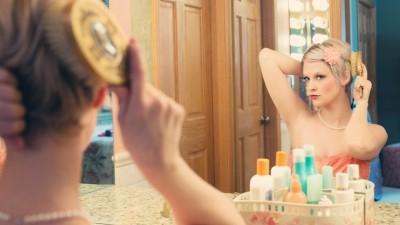 woman vanity mirror
