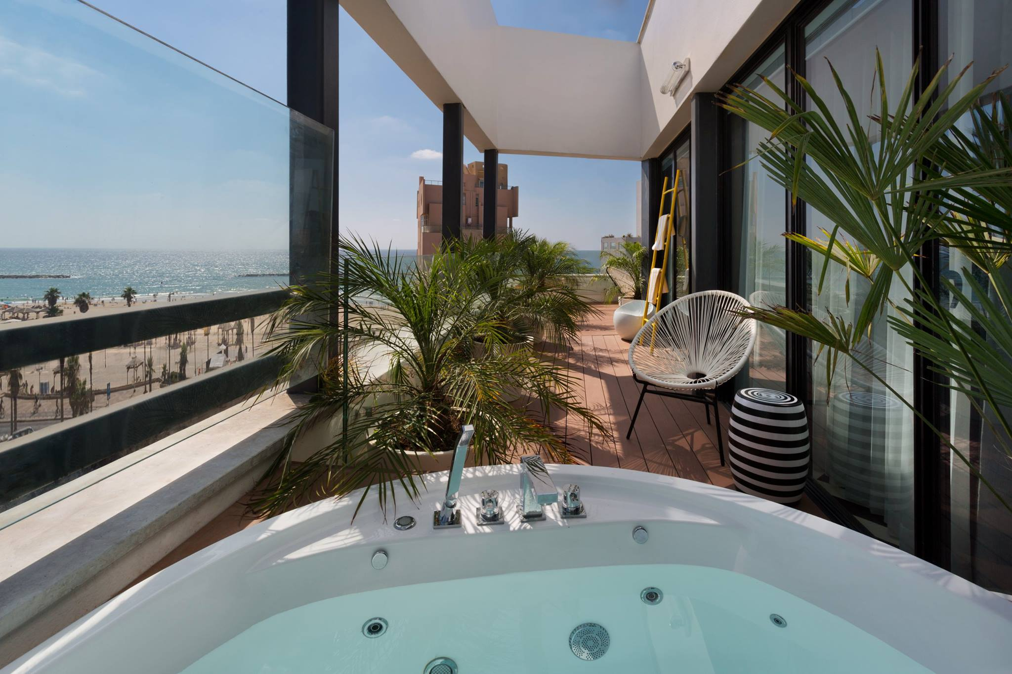 Brown Beach House Hotel In Tel Aviv