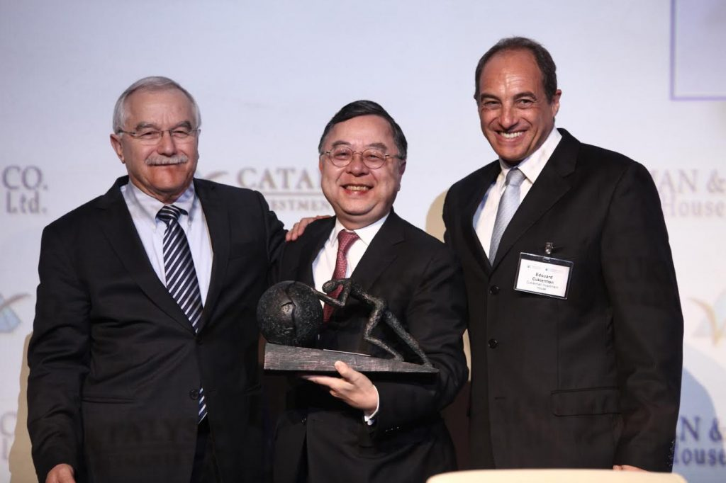 Left to right: Yair Shamir (Managing Partner, Catalyst Fund), Ronnie Chan (Chairman of Hang Lung Properties) and Edouard Cukierman (Chairman of Cukierman Investment House and Managing Partner of Catalyst CEL). Courtesy of GoforIsrael