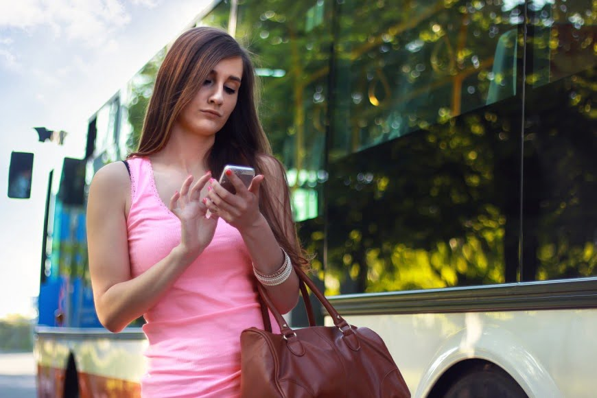 woman-girl-texting-chatting-smartphone