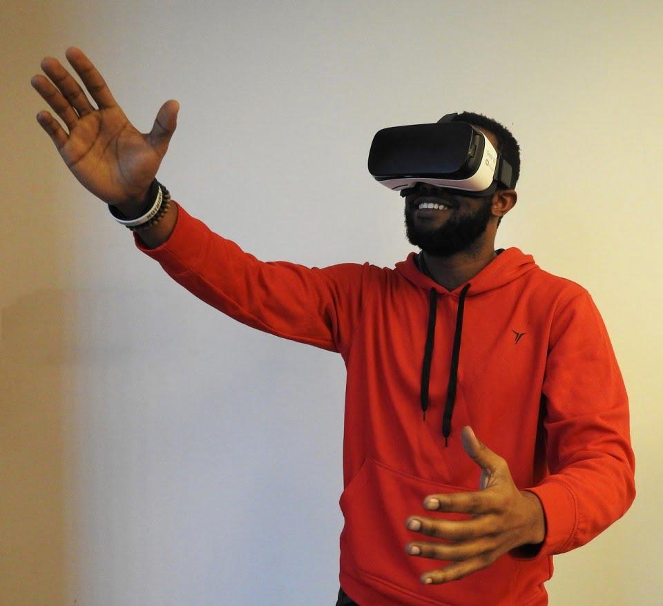 Virtual Reality via Pixabay
