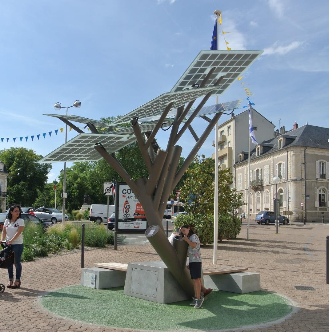 """solar """"tree"""""""