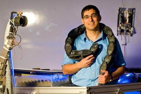 Robot Snake. Photo by Amir Shapiro