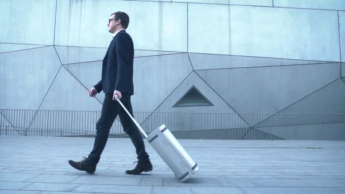 Samsara-Smart-Aluminum-Suitcase-05