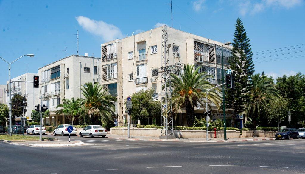 Tel Aviv buildings. Photo by xiquinhosilva via Flickr