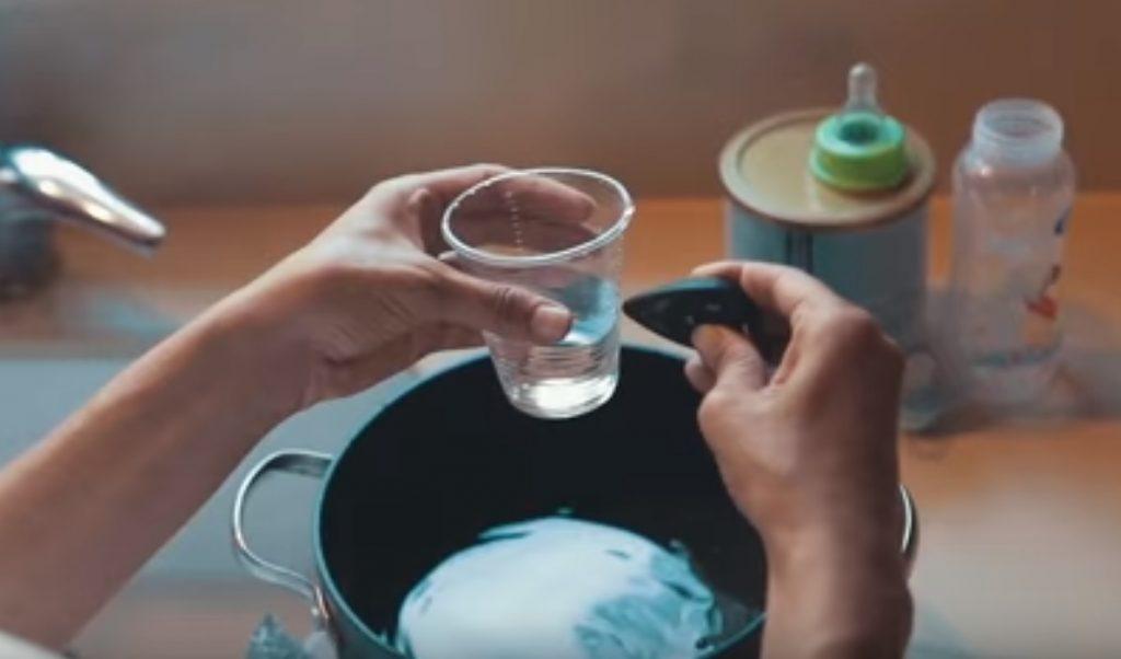Lishtot's TestDrop device tests for water contamination. Screenshot from Lishtot video