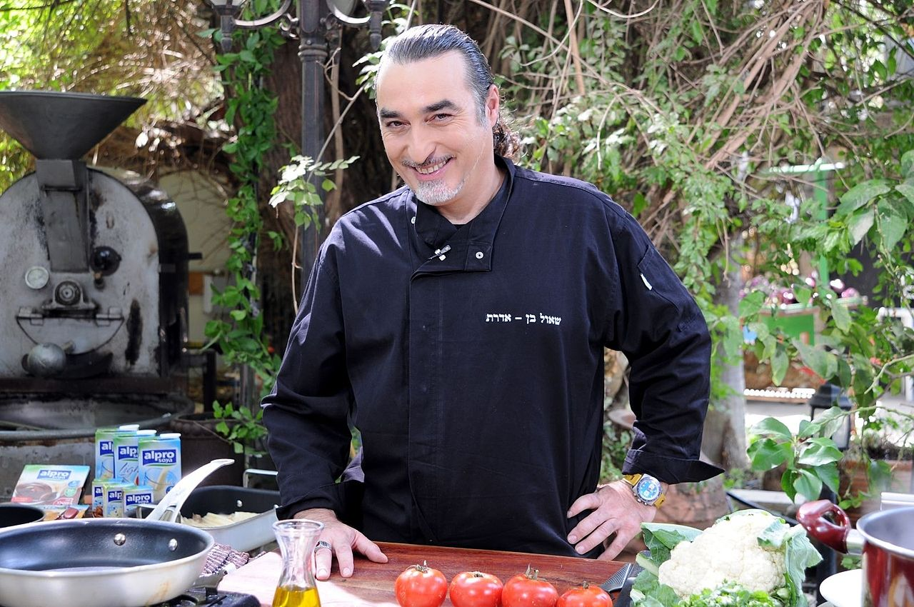 """Israeli chef Shaul Ben Aderet calls the tiny tomato """"a candy"""" because of its sweet flavor. Photo via<bdi><a class=""""mw-userlink"""" title=""""User:Itzuvit"""" href=""""https://commons.wikimedia.org/wiki/User:Itzuvit"""">Itzuvit, Wikimedia Commons</a></bdi>"""