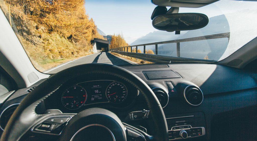 Illustrative photo of a car dashboard. Pexels