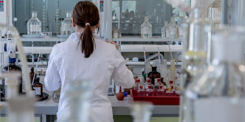 Lab tests. Pixabay