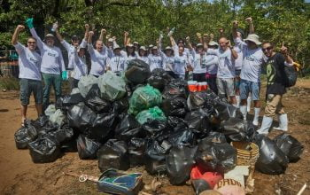 Beach clean-up in Roatan, Honduras by the SodaStream team. Courtesy of SodaStream