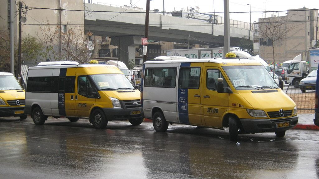A sherut shared taxi in Tel Aviv. Photo via Wikimedia, public domain