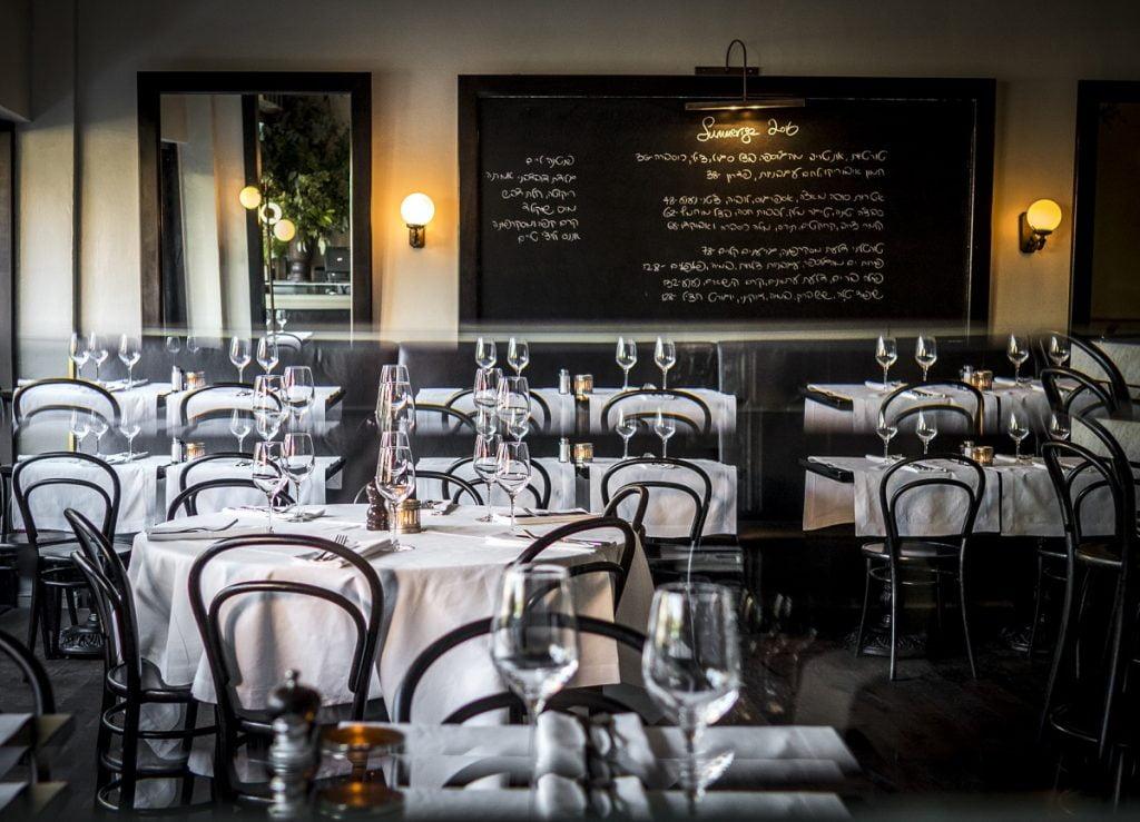 Coffeebar in Tel Aviv. Photo by Idit Ben Oliel