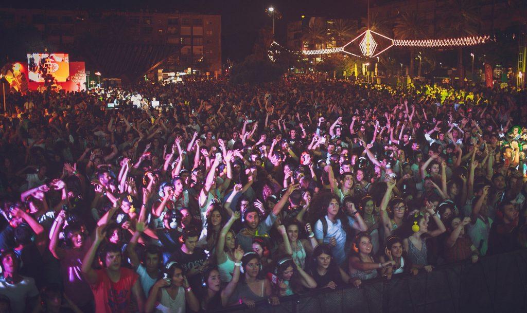 "A party in Tel Aviv on White Night. <a href=""https://flic.kr/p/wcUGc8"" target=""_blank"">Photo by</a> Adam Primer via the Tel Aviv Municipality on Flickr"