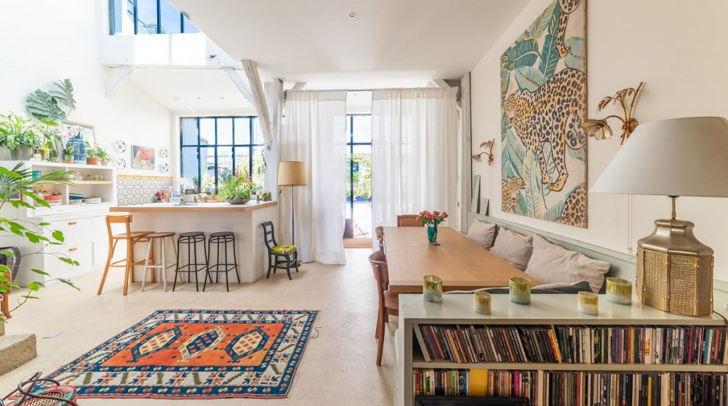 A Paris home featured on The Plum Guide. Photo via The Plum Guide