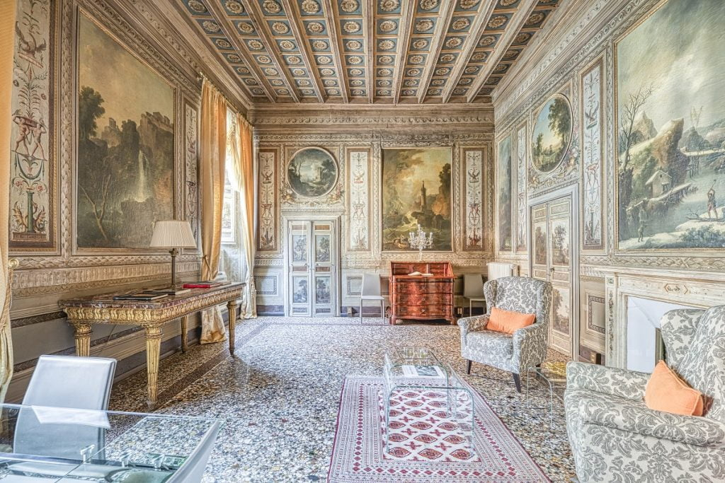 Paolina's Chambers in Rome. Photo via the Plum Guide