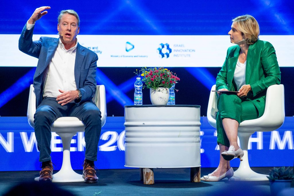 Bill Ford and Dana Weiss at EcoMotion 2019. Photo by Asaf Kliger