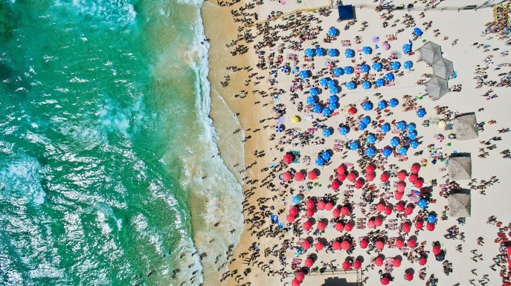 An aerial shot of the beach in Rishon Leziyon. Photo by Aviv Ben Or on Unsplash