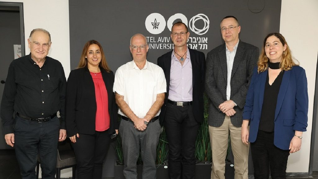Pictured right to left: Dr. Dana Bar-On, Teva Academy project lead; David Wilson, Head of Discovery at Teva R&D; Dr. Steffen Nock, SVP, Global Biologics, Teva R&D; Prof. Ariel Porat, President of Tel Aviv University; Prof. Ronit Satchi-Fainaro, Teva Board of Directors; Prof. Yoav Hanis, VP R&D, Tel Aviv University. Photo: Chen Glili