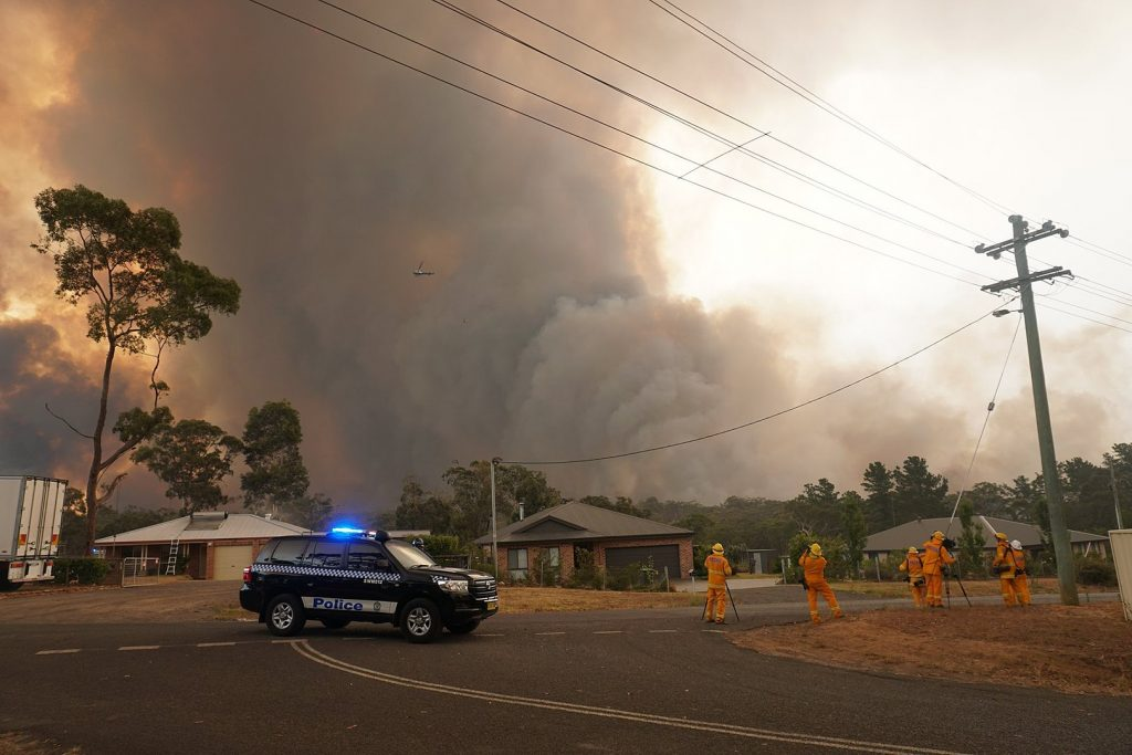 A bushfire moves towards the Southern Highlands township of Yanderra as police evacuate residents from Yanderra Road, December 21, 2019. By Helitak430 - Own work, CC BY-SA 4.0